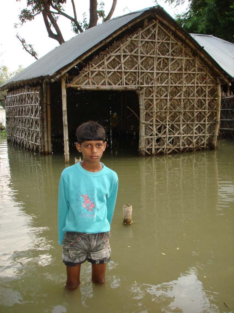 Escuela afectada por los monzones en la región de Bihar (India)